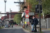 TŘINEC, ocelářské město odpoledne posledního dne před dalším plošným zpřísněním opatření proti čínské nákaze.