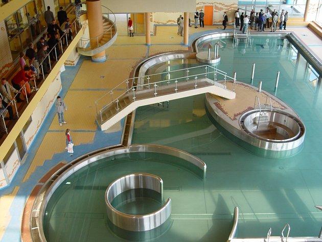 Společnost má pod sebou i aquapark u přehrady Olešná.