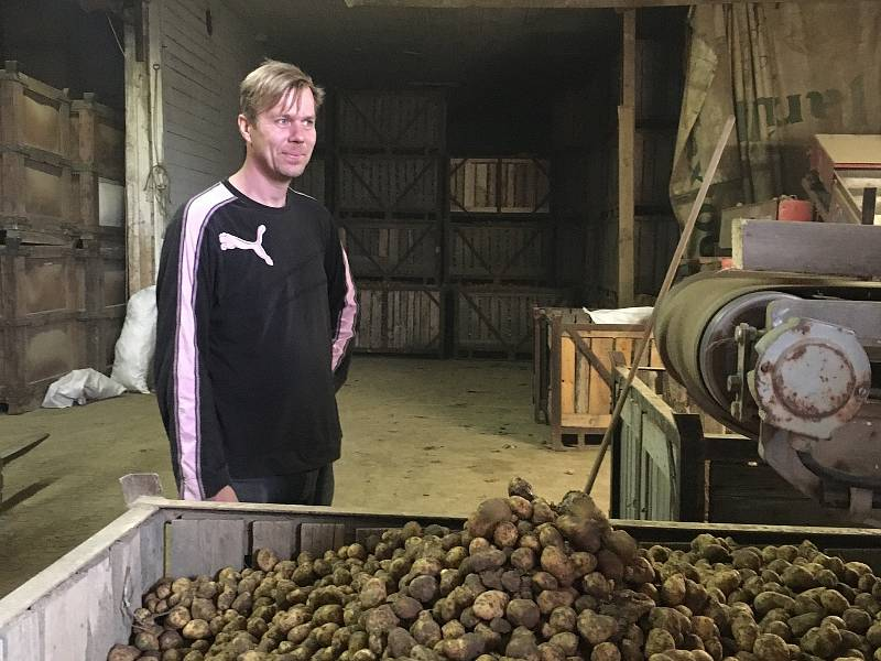 Kamil Kublák hospodaří s celou rodinou na farmě Kublák.