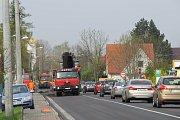 Silnice mezi Frýdkem-Místkem a Dobrou se frézuje.