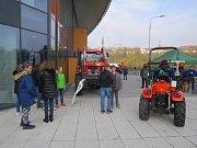 Halu Polárka obsadili žáci základních škol.