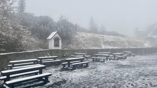 Sníh v Beskydech, středa 13. října 2021, Lysá hora.