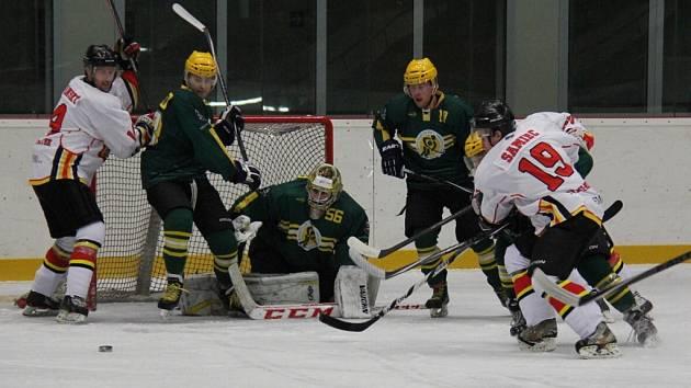 Hokejisté Frýdku-Místku na domácím ledě podlehli Vsetínu 2:5.