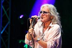 Hlavní hvězdou letošního Bystřického Zlotu byla polská rocková legenda Perfect. Za mikrofonem stál Grzegorz Markowski.
