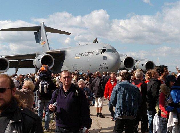Den NATO v Mošnově loni navštívilo rekordních šedesát tisíc lidí.