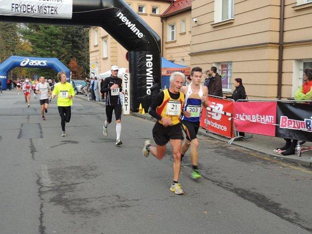 Na start loňského ročníku Hornické desítky se postavilo více než dvě tisícovky běžců.