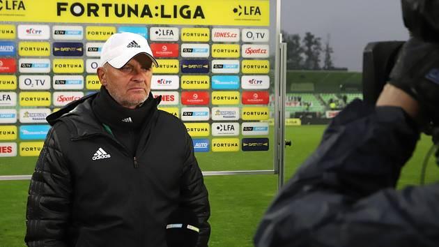 Trenér karvinských fotbalistů Juraj Jarábek.