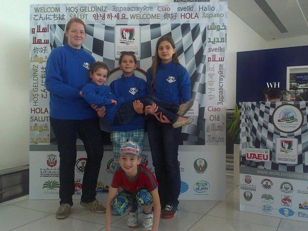 Pětice šachistů z BŠŠ Frýdek-Místek se zúčastnila světového šampionátu v arabském Al Ain.