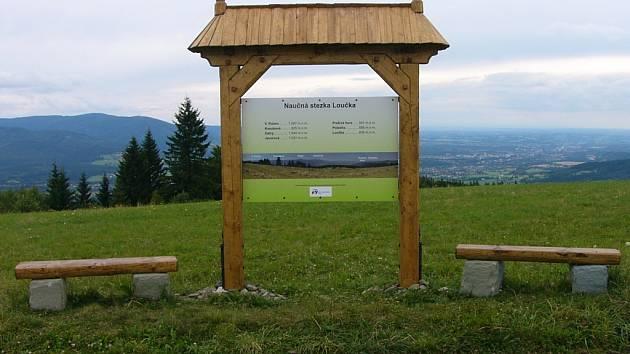Naučná stezka v Bystřici nabízí také impozantní výhledy.