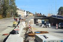 Rekonstrukce křižovatky už několik měsíců omezuje dopravu ve Frýdku.