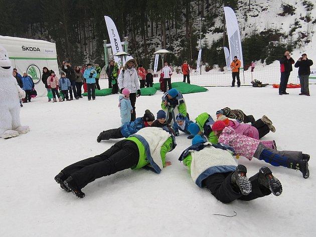 Automobilka Škoda vyráží již čtvrtou sezonu do hor s akcí pod názvem ŠKODA Park, kdy na svých cestách pro své návštěvníky připravuje spoustu zábavy pro celé rodiny, jak dokládá snímek z Bílé.