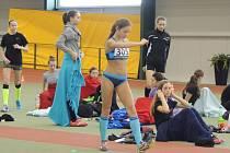 Překvapivou, ale naprosto zaslouženou mistryní republiky ve skoku vysokém, se v Jablonci stala atletka z TJ Slezan Frýdek-Místek Adéla Lojkásková.