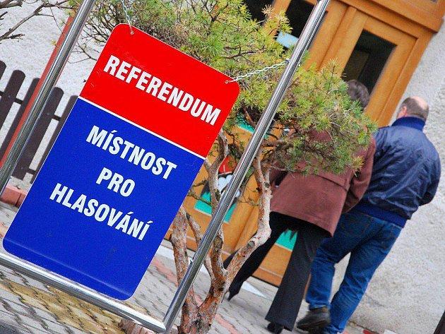 V neděli 11. dubna lidé v Libhoští, místní části Nového Jičína, hlasovali v referendu, ve kterém rozhodovali, zda se chtějí osamostatnit.