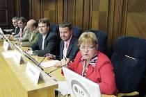 Ve Frýdku-Místku zasedli zastupitelé v mimořádném termínu, aby projednali odpady, převod akcií z kraje na město a zastupování u Nejvyššího správního soudu.