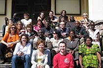 Humanist center of Kenya se představí v českých školách, mimo jiné zavítá i do Mostů u Jablunkova.