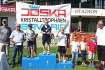 Marcel Matušinský (vedle stupňů vítězů) ze Sokola Kozlovice skončil na čtvrtém místě.