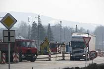 Práce na hlavním železničním tahu z Třince na Slovensko v Hrádku.