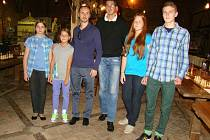 Mladí frýdecko-místečtí šachisté měli možnost zahrát si proti bývalému mistru světa Veselinu Topalovovi z Bulharska.