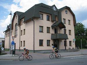 Obecní úřad v Bystřici na archivním snímku