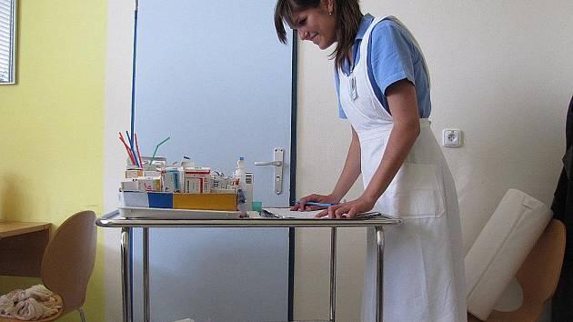 I v letošním roce skládají maturitu budoucí sestřičky ze dvou tříd frýdecko-místecké Střední zdravotnické školy.
