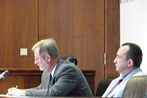 Okresní soud ve Frýdku-Místku se i ve čtvrtek 1. října zabýval srážkou osobních vlaků, kterou měl 16. února tohoto roku v Paskově zavinit třiapadesátiletý strojvedoucí Zdeněk Janoušek.