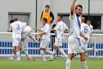 Je tam! Jako by si říkal frýdecko-místecký záložník Michal Šrom, který se třemi gólovými přihrávkami podílel na vysokém vítězství svého celku v derby s Karvinou.