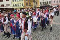 Jubilejní dvacátý ročník mezinárodního folklorního festivalu ve Frýdku-Místku.