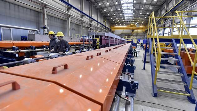 Třinecké železárny - Zušlechťovací linka č. 2 v Třineckých železárnách. Ilustrační foto.