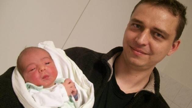 Erik Damek, Palkovice, nar. 12. 3., 49 cm, 3,66 kg. Nemocnice Frýdek-Místek.