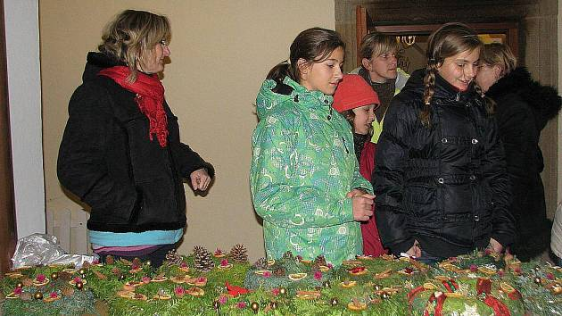 Adventní čas přivítali ve Staré Vsi nad Ondřejnicí v místním zámku a jeho okolí.