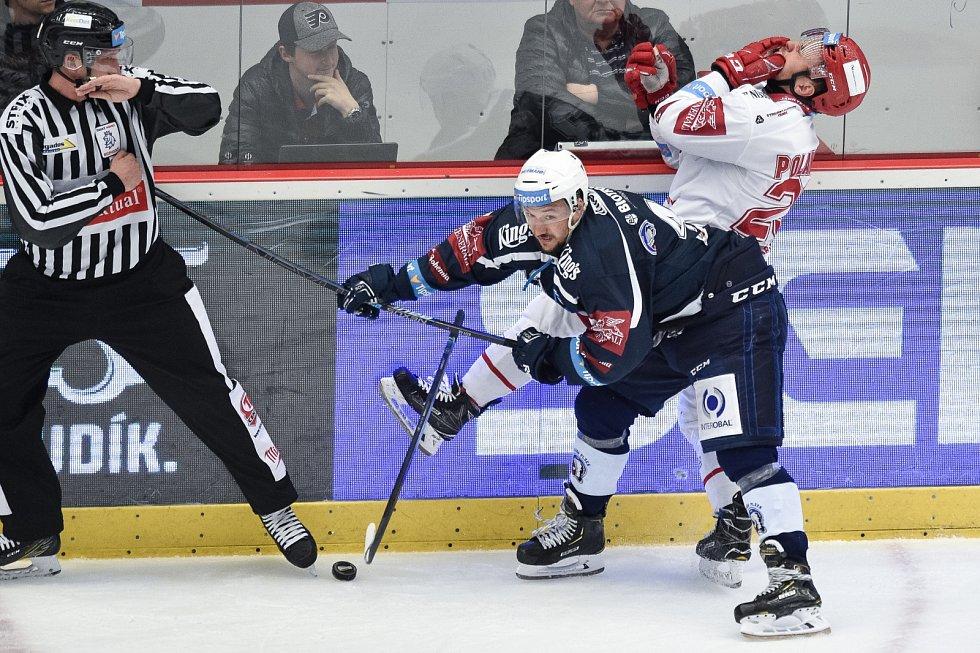 Oceláři (v bílém) vs. Plzeň.
