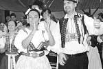Tradiční gorolský bál v Mostech u Jablunkova bývá jedním z prvních,které zahajují plesovou sezonu. Letos se konal již potřicáté a mezi hosty nechyběla ani starostkaTřince Věra Palkovská v tradičním těšínském kroji (na snímku).