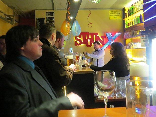 Změna z kuřáckého na čistě nekuřácký podnik například hodně pomohla klubu Stoun ve Frýdku-Místku.