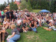 Sérii letních koncertů v areálu koupaliště Sluníčko zakončili legendární Olympic.