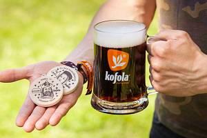 Pro všechny nadšené výletníky a obzvlášť pro sběratele dřevěných Turistických známek je zde letní hra s Kofolou.