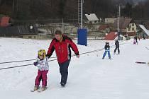 V Řece si přijdou na své i nejmenší lyžaři. Do areálu během pracovního týdne tradičně přijíždějí rovněž školky.