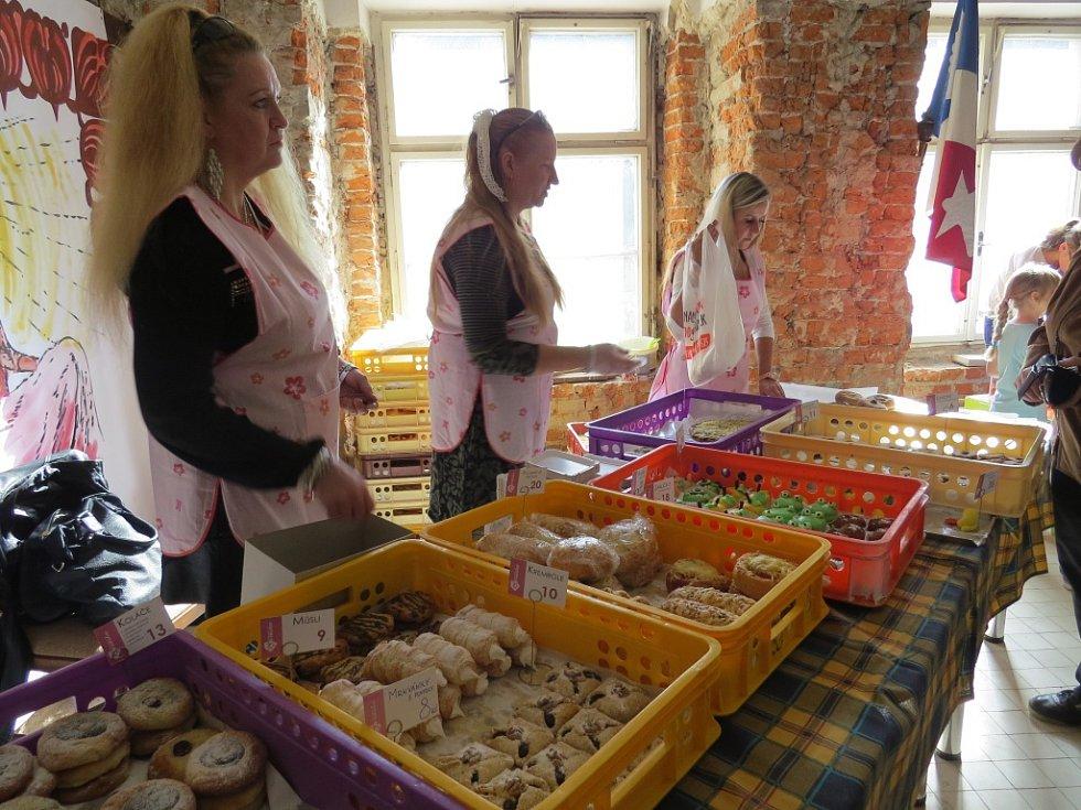 Chodby a místnosti paskovského zámku v sobotu patřily zástupcům devíti obcí.