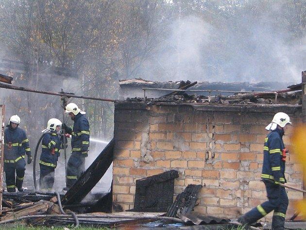 Středeční požár objektu u víceúčelové haly ve Frýdku-Místku.