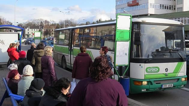 Autobus frýdecko-místecké MHD přepraví každoročně několik milionů cestujících. V současnosti tvoří síť MHD devatenáct linek.