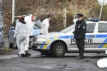 Policisté vyšetřují násilný trestný čin vraždy.