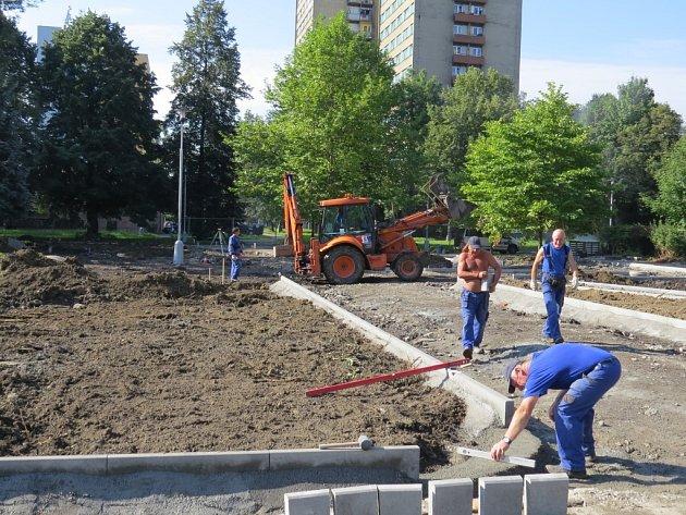 Stavba dopravního hřiště.