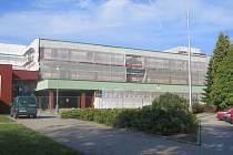 Základní škola v ulici Jiřího z Poděbrad v době rekonstrukce.