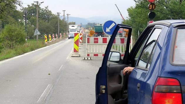 Motoristé, kteří se vydají na Třinecko, musejí počítat s komplikacemi zejména na silnici I/68 v Neborech.