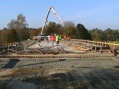 Opravovaný most.