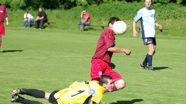 V utkání Nebory - Mosty viděli diváci čtyři branky, utkání nakonec skončilo nerozhodně.