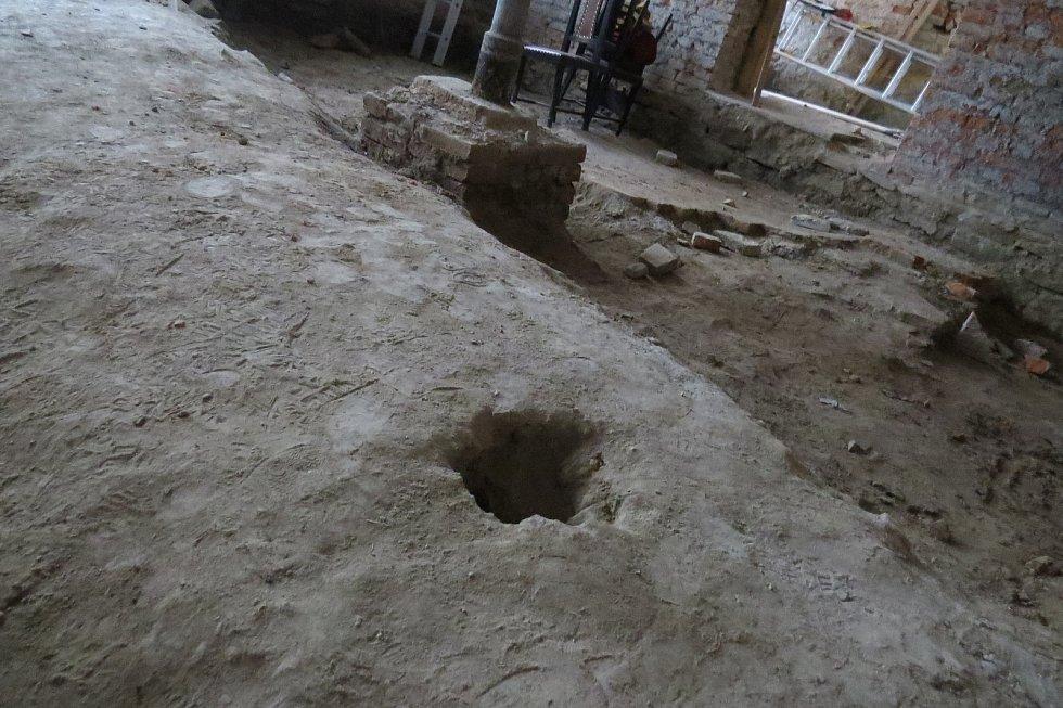 Pod starým klášterem v Jablunkově se našly podzemní chodby.
