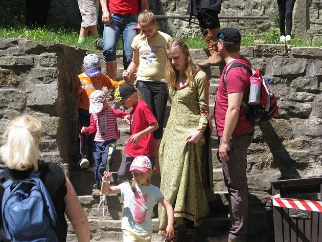 Hukvaldský hrad nabídl v sobotu 19. května akci s názvem Zbojnické poklady.