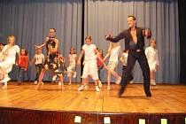 V závěru soutěže vystoupil taneční kroužek Základní školy z Bašky spolu s Tomášem Hoškem a Simonou Švrčkovou.