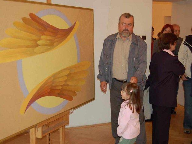Návštěvníci výstavy Karla Lepíka.