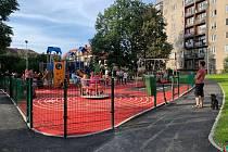 Nové hřiště ve vnitrobloku Ostravská ve Frýdku-Místku potěší děti spoustou atraktivit. Foto: archiv města FM